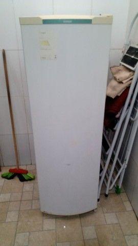 Vendo geladeira e sofá  - Foto 2