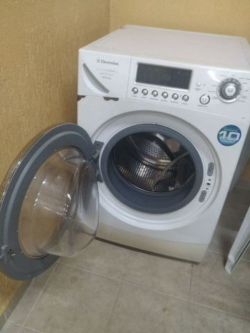 Lava e seca Eletrolux 10,5kg