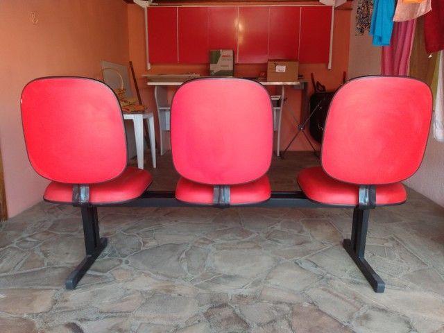Longarina vermelha 3 lugares - Foto 2