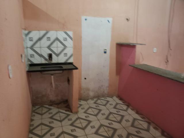 Vendo uma casa com um quarto com banheiro e cozinha americano - Foto 6