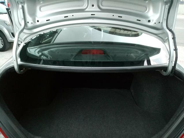 Nissan Versa 1.6 Completo Rodas 9.700KM! Troco Financio - Foto 9