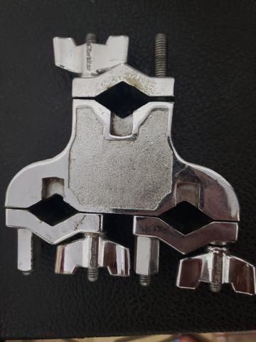Clamp Gibraltar SC-4429 com 3 Conexões Multiuso para Holders, Extensores e Acessórios