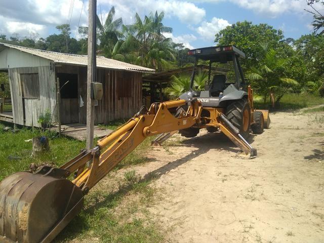 Retro escavadeira Troco por casa em Manaus