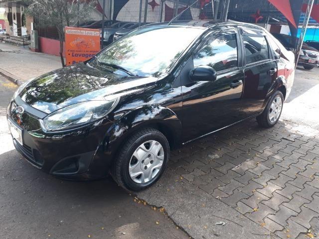 Fiesta Sedan 1.0 Zetec Rocam