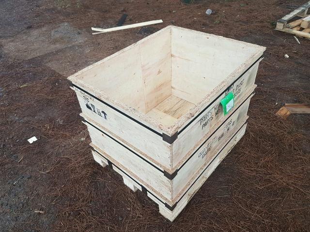 Caixas / Caixotes de Madeira Semi-novas / Usadas