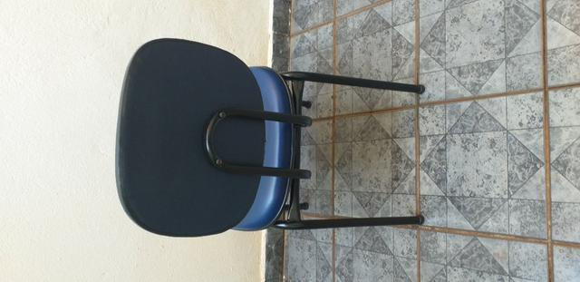 Cadeira Executiva Fixa no Courvin Azul - Foto 2