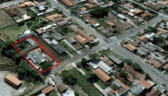 Terreno com 1100 m² contendo 3 residencias em alvenaria oferta ótimo investimento - Foto 4