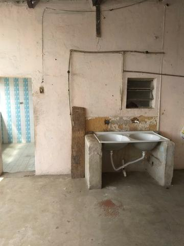 Alugo casa simples e antiga - Foto 6