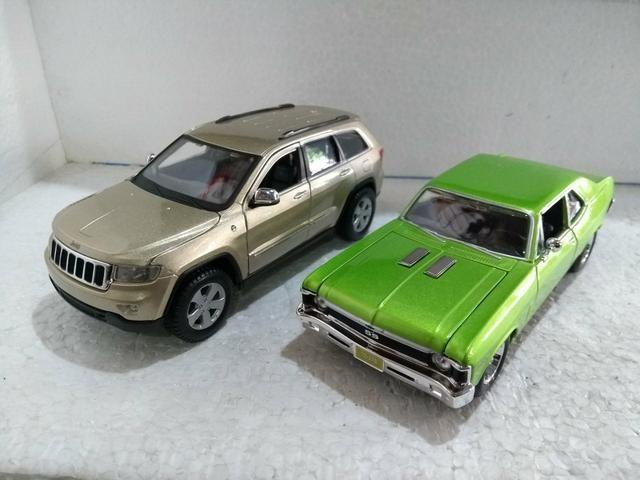 Minituras Jeep Grand Cherokee e Chevrolet SS