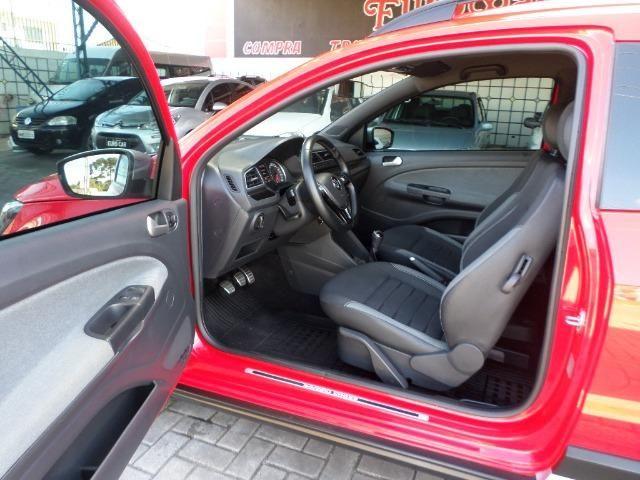 VW Saveiro Cross Dupla 2017 5 Lugares 1.6 Flex MSI - Foto 11