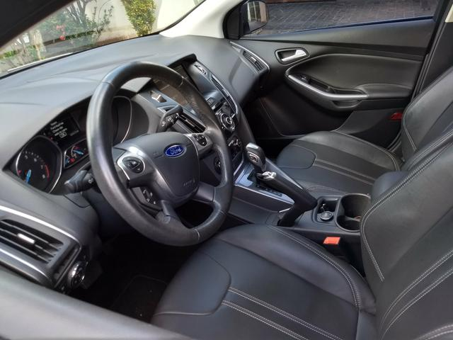Ford Focus sedã - Foto 7