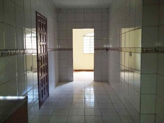 Casa com 4 dormitórios para alugar, 164 m² por R$ 1.900,00/mês - Cajuru - Curitiba/PR - Foto 4