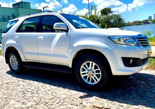 Toyota Hilux SW4 2013 diesel 7 lugares Pneus novos Pirelli!!! - Foto 16