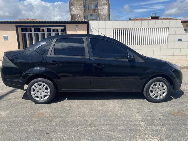 Fiesta SE 1.6 sedan completo manual chave reserva - Foto 9