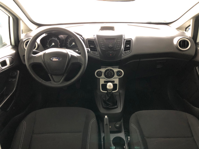 Fiesta 1.6 SE Hatch 2017 - Foto 7