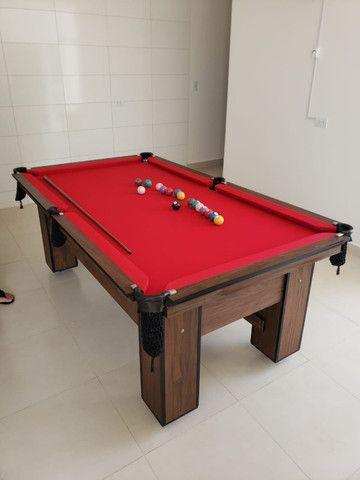 Mesa de Bilhar Charme Imbuia Tecido Vermelho Modelo BVV3201