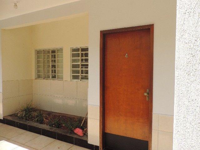 Alugo Quitinete de 1 quarto com garagem, Jardim da Luz, Goiânia - Foto 4
