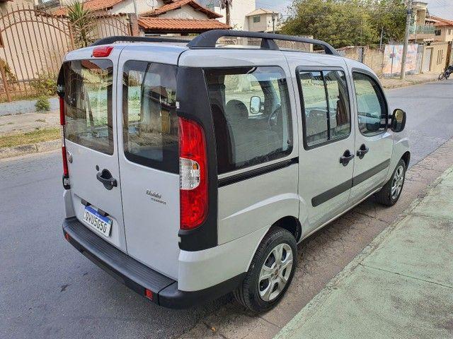 Fiat doblo 1.8  7 lugares 22 mil km oportunidade - Foto 3