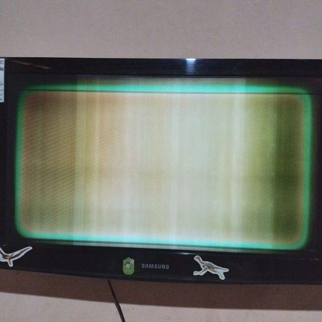 Samsung 32 com tela defeituosa - Foto 2
