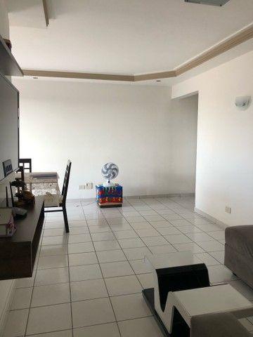 Apartamento no Padre Arnobio com duas vagas de garagem! - Foto 2