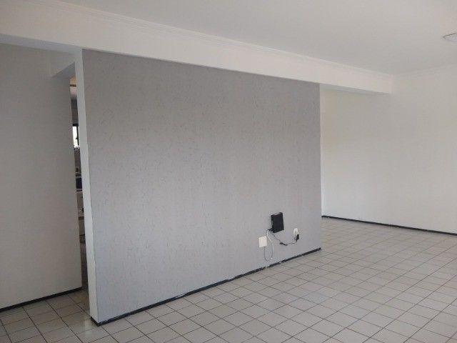 Apartamento 3 quartos 2 suítes com vaga coberta no Cocó - Foto 2