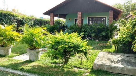 Casa térrea mobiliada com 3 quartos sendo 2 suítes em condomínio próximo a BR