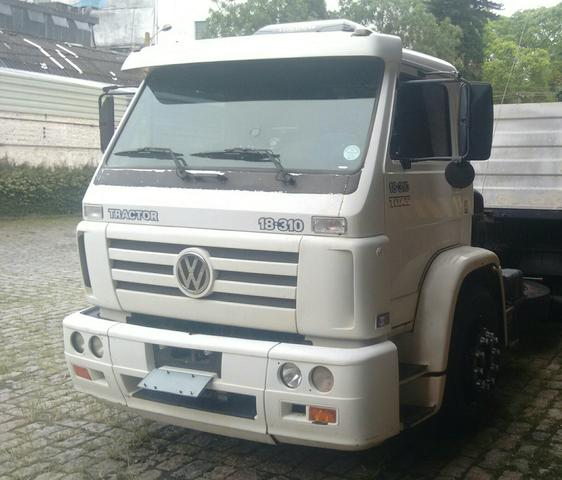 VW 18310 2004 com AR VENDO E TROCO
