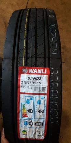 Pneu 215/75R17.5 liso cargo vw 710 accelo - Foto 4