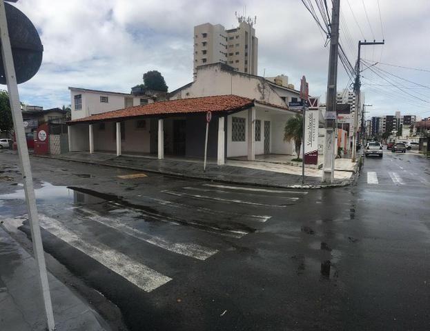 Casa de Esquina na Ananias Azevedo- Esqui