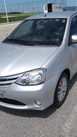 Carro para Uber Toyota Etios 1.5 manual