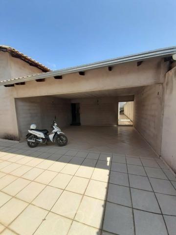 Casa e terreno (lote) com 5 quartos, 3 suítes, ótima localização, aquecimento solar