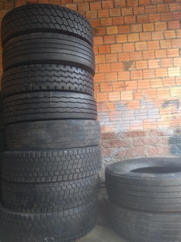 10 pneus 295 com câmera - Foto 2