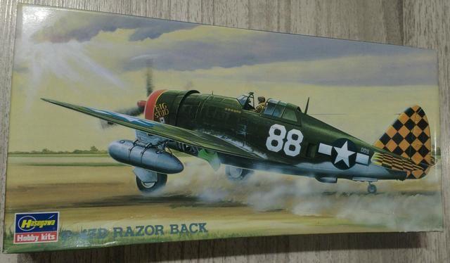 Avião para montar do caça-bombardeiro Republic P-47D Thunderbolt, escala 1/72, da Hasegawa