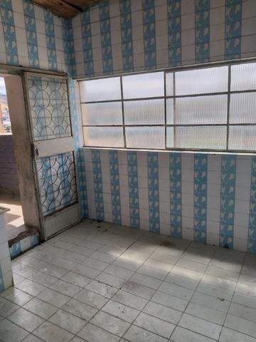 Alugo casa simples e antiga - Foto 8