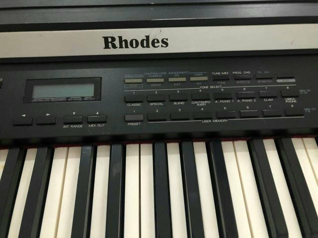 Teclado Piano Digital FENDER RHODES MK80