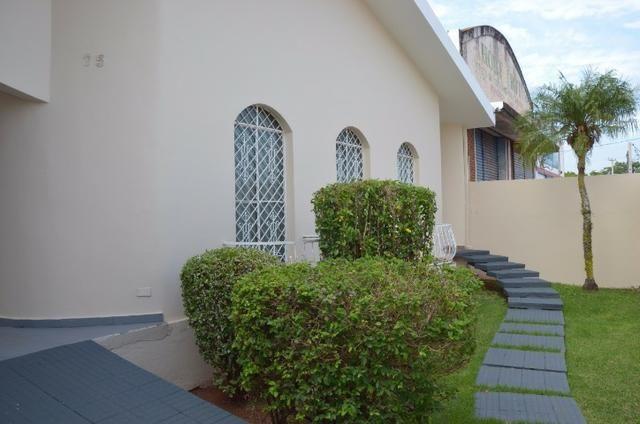Casa, 3 dorm., 3 vagas garagem, região central de Ourinhos-SP