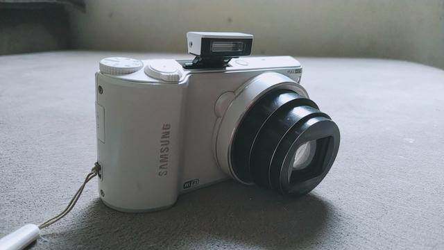 Vendo câmera samsung wb250f