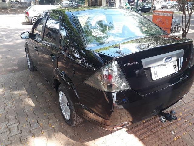 Fiesta Sedan 1.0 Zetec Rocam - Foto 6