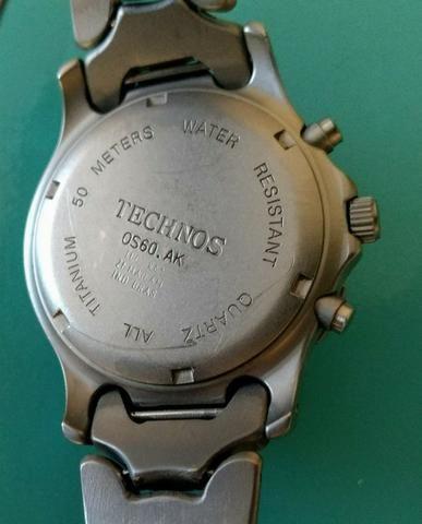 Relógio Technos Chronograph Titanium - Retro - Conservadíssimo!!! - Foto 3