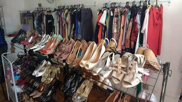 5a8c3a5066d Lote de roupas e calçados para brechó - Roupas e calçados - Maria ...