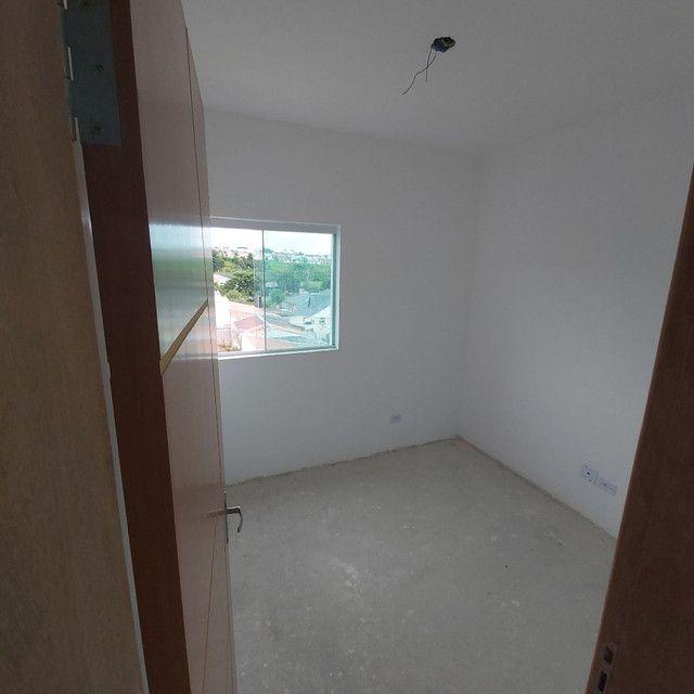 _/ Apartamento de 02 quartos,  sacada , vaga coberta . Fazendinha  - Foto 3