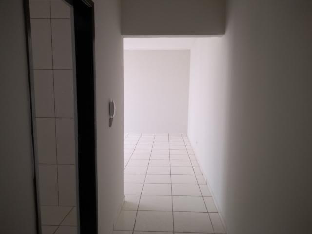 8273 | Apartamento para alugar com 3 quartos em Zona 03, Maringá - Foto 3