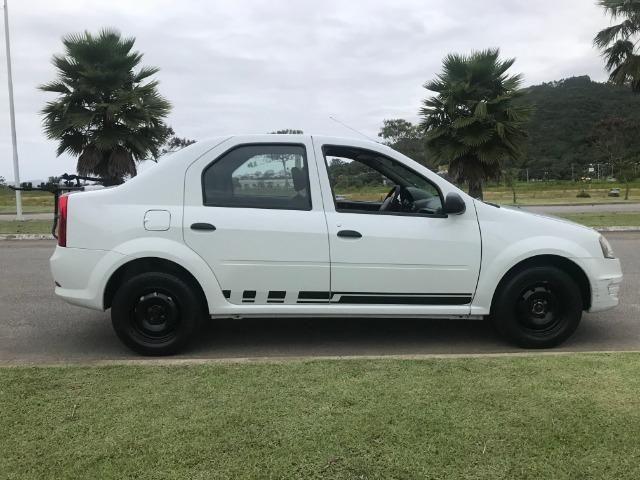 Renault Logan Authentique para repasse. Em bom estado de conservação!