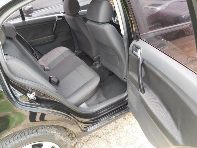 Polo sedan 1.6 Confortline 12/13 - Foto 6