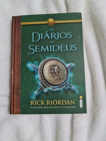 Livro: O diário dos semideus