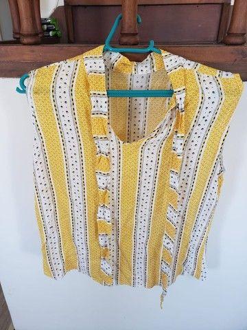 Lote de 2 blusas femininas (tamanho M) - Foto 2
