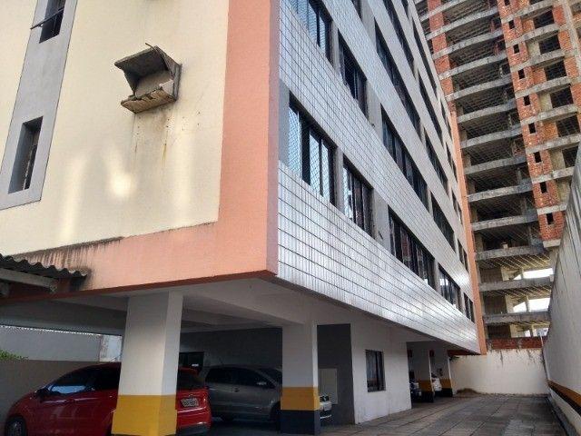 Apartamento 3 quartos 2 suítes com vaga coberta no Cocó