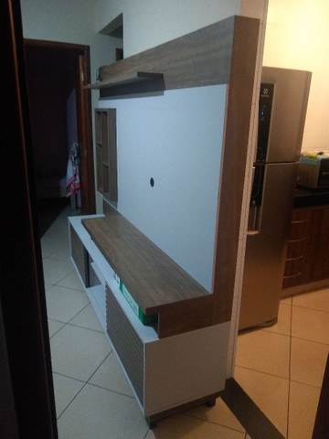 Vende -se uma estante semi nova - Foto 3