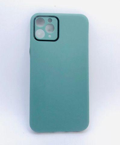 Case / Capinha simples lisa iPhone 11 Pro Max (Aceito cartão) - Foto 5