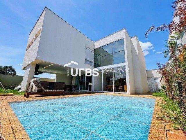 Casa de condomínio para venda com 352 metros quadrados com 4 quartos
